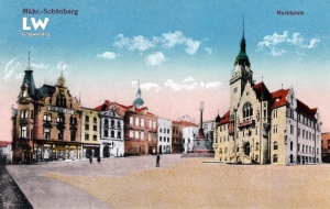 Náměstí Míru a radnice v Šumperku