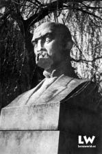 Zhanobený pomník presidenta Osvoboditele