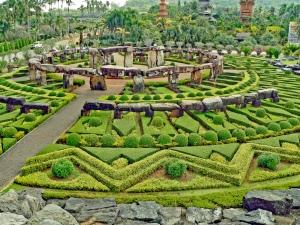 Cenrální Thajsko-zahrady Nong Nooh