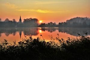 podzimní romance na rybníku