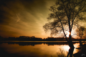 Západ slunce u přehrady